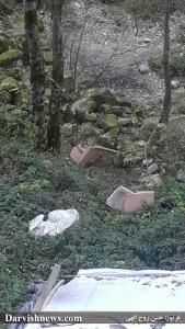 مبل ها برای پذیرایی از مسافران بود که پس تخریب اینگونه رها شده در طبیعت